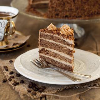 Meduolinis karamelinis tortas