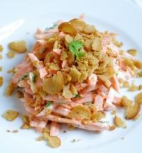 Pikantiųkos morkų salotos