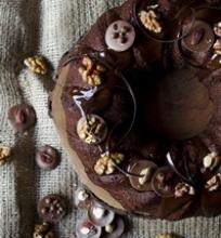 Šokoladinis gateaux su graikiniais riešutais