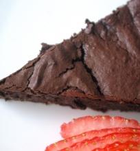 Avokadų brownie