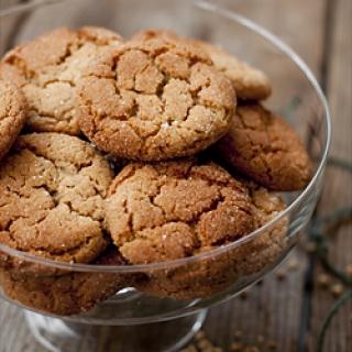 Medaus – žemės riešutų sviesto sausainiai