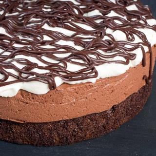 Tamsus ir audringas šokoladinis pyragas