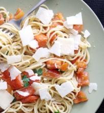 Spagečiai su Pomidorais ir Ančiuviais