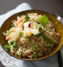Kynva salotos su feta ir daržovėmis