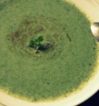 Trinta špinatų ir žiedinių kopūstų sriuba