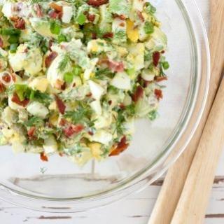 Avokadų ir kiaušinių salotos