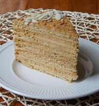 Karamelinis medaus tortas