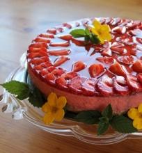 Jogurtinis braškių pyragas