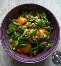 Sultenių salotos su avokadu ir pomidorais