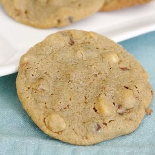 Kavos Sausainiai su Graikiškais Riešutais