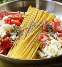 spageti makaronai su pomidorais