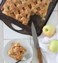 Plokštainis su obuoliais
