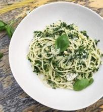 Spaghetti makaronai su lapinių kopūstų pesto