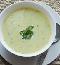 Trinta porų ir svogūnų sriuba