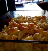 Makaronų, kalafiorų ir sūrio apkepas