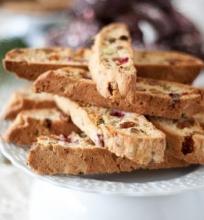 Spanguolių ir pistacijų biscotti