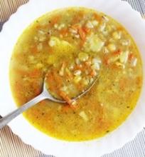 Žirnių ir perlinių kruopų sriuba