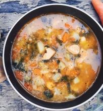 Aromatinga vištienos sriuba