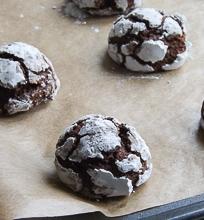 Įtrūkę šokoladiniai sausainiai