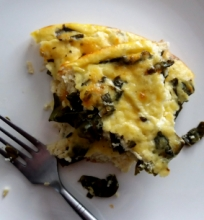 Itališkas omletas su varške ir špinatais