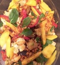 Indiškos keptų daržovių salotos