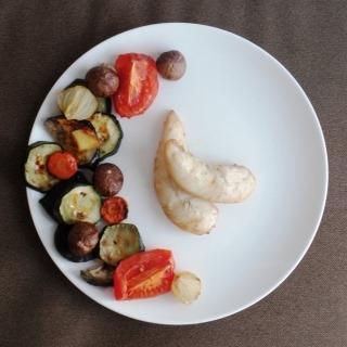 Kepta vištiena su daržovėmis