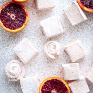 Zefyrinės pagalvėlės su raudonųjų apelsinų sultimis