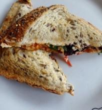 Kitoks karštas sumuštinis