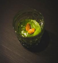 Žaliasis ir sveikasis bananų ir špinatų kokteilis – pamaina vakarienei