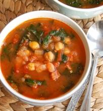 Chorizo dešros ir avinžirnių sriuba