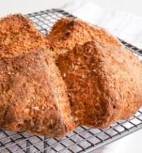Sodos duona su sėklomis
