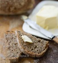 Speltos miltų duona