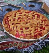 Rabarbarų ir uogų pyragas