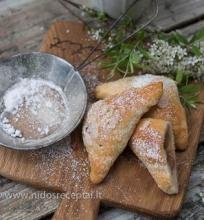 Pyrageliai su rabarbarais