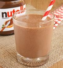 Ledų ir pieno kokteilis su Nutella