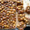 Karameliniai riešutiniai kvadratėliai
