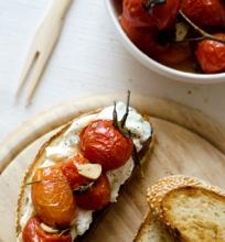 Skrebučiai su keptasi pomidorais