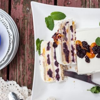 Jogurto ledų tortas