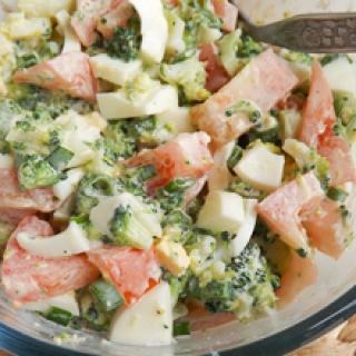 Brokolių ir pomidorų mišrainė