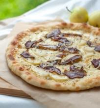 Pica su rūkyta antiena ir obuoliais