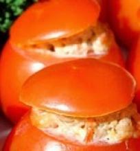 Pievagrybiais įdaryti pomidorai
