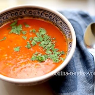 Keptų pomidorų su paprikomis sriuba