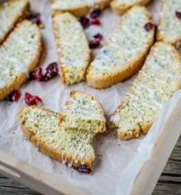 Citrininiai biscotti su aguonomis