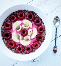 Avietinis smoothie bowl
