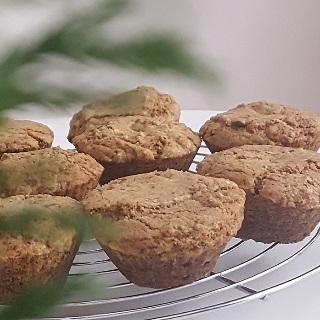 Traškūs sausainiai keksiukų formelėse