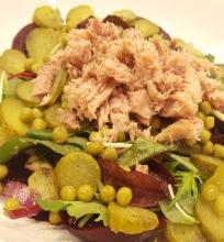 Salotos su burokėliais ir tunu