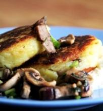 Virtų bulvių ir grybų blynai