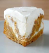 Morkų-sūrio pyragas