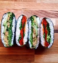Sushi sumuštiniai (onigirazu)