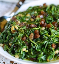 Šiltos špinatų salotos